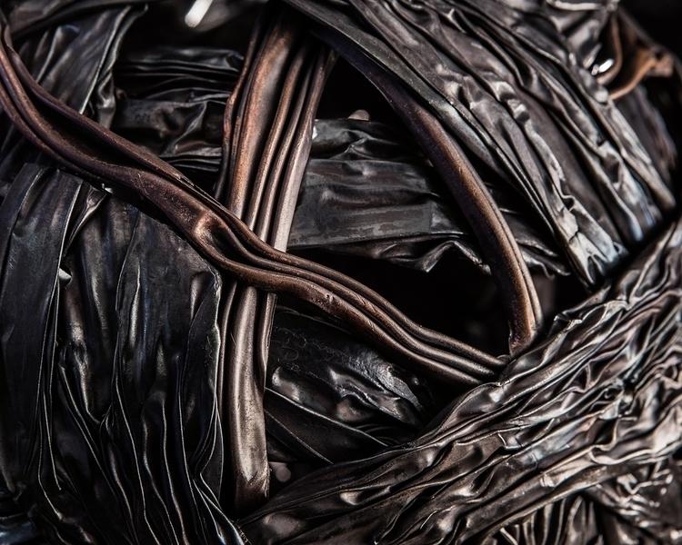 """Seed"" metal sculpture diameter - ferruccio-maierna | ello"