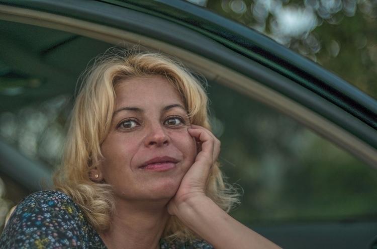 car beauty - bigeyed, blonde, classy - natxodiego | ello