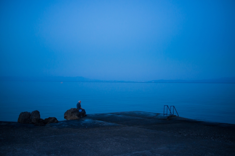 Kind Blues. man stares Aegean S - kausthapa | ello