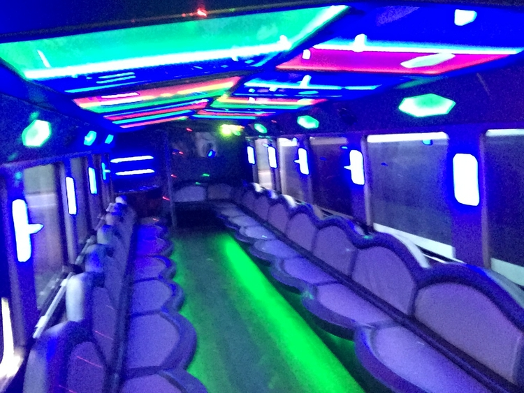 luxurious limousine bus! larges - partybustoronto | ello