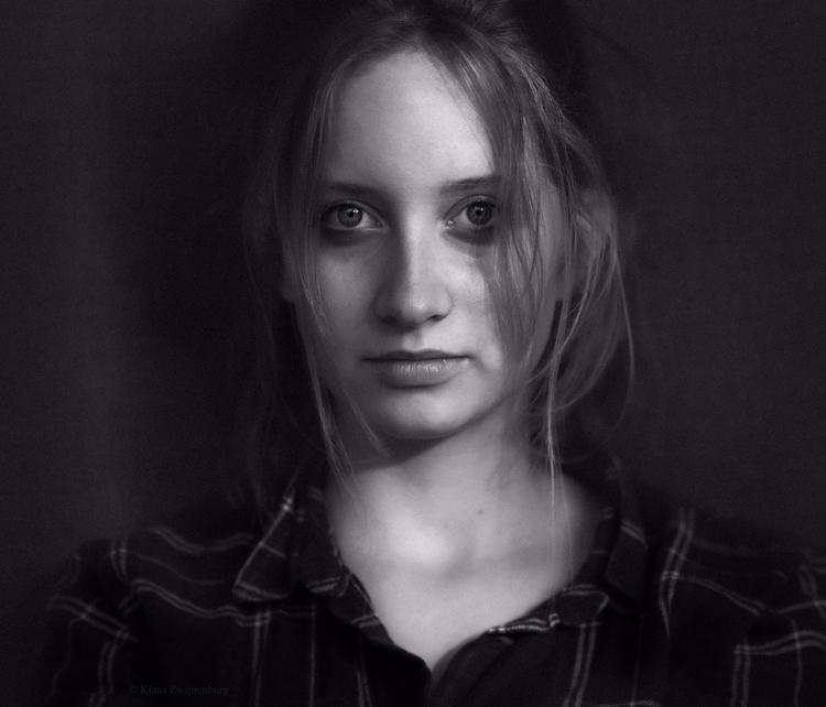 portrait, girl, blackandwhite - klaasphoto | ello