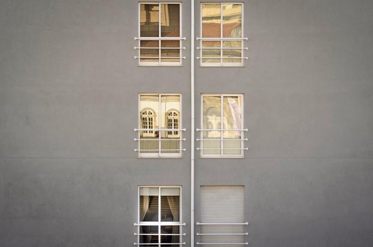Braga - windows, Portugal, ventanas - santi_dieste | ello