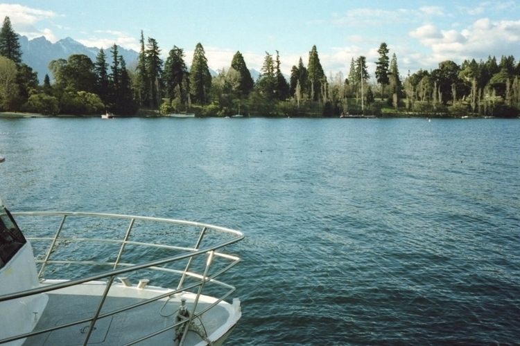 Lake Wakatipu, Queenstown, Zeal - lilyylin | ello