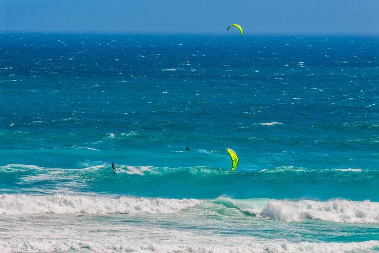 interchanging - SouthAfrica, surf - christofkessemeier | ello
