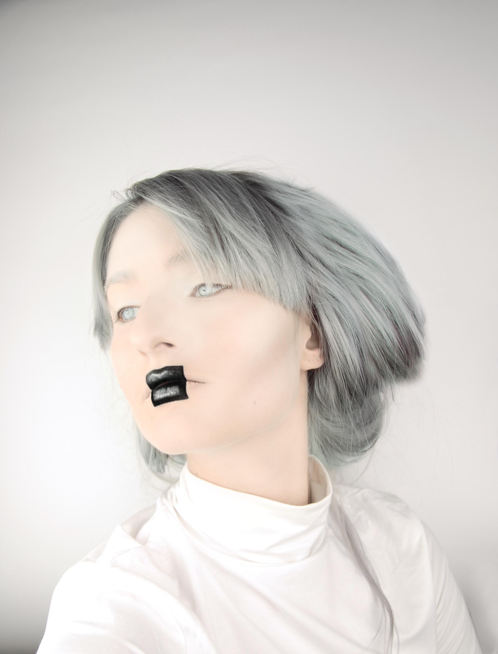 Make-up inspirowany obrazem. 'Czarny_kwadrat_na_białym_tle' by Kazimierz Malewicz