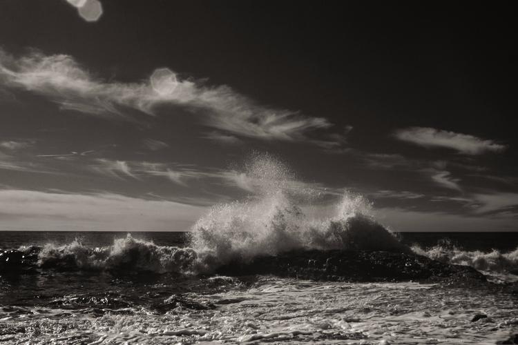 Wave action yesterday Californi - mlhannahfineart | ello