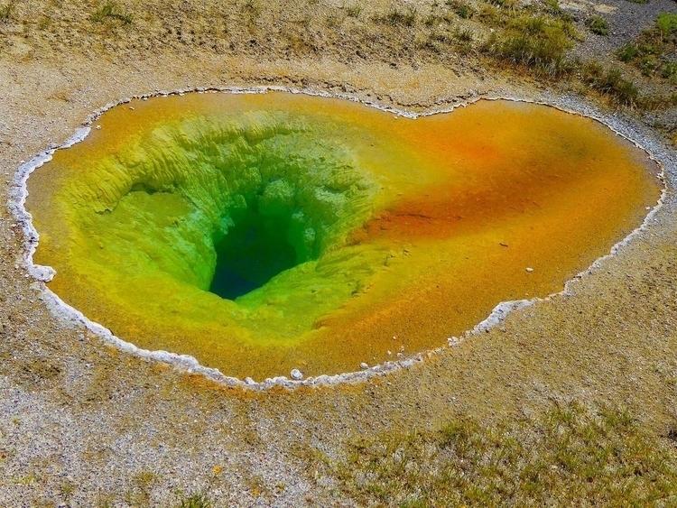 Hole | 2016 Photo-Blog - YellowstoneNationalPark - thomgollas | ello