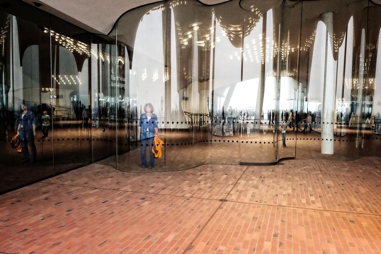 Ghosts Mirrors, 2017 - Hamburg, elbphilharmonie - juergennovotny | ello