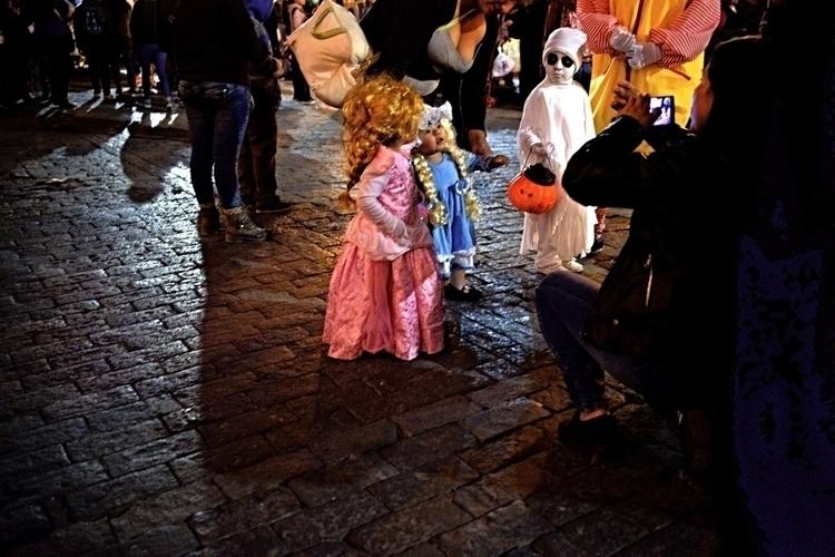 Halloween, das originalste Fest - weltfarben | ello
