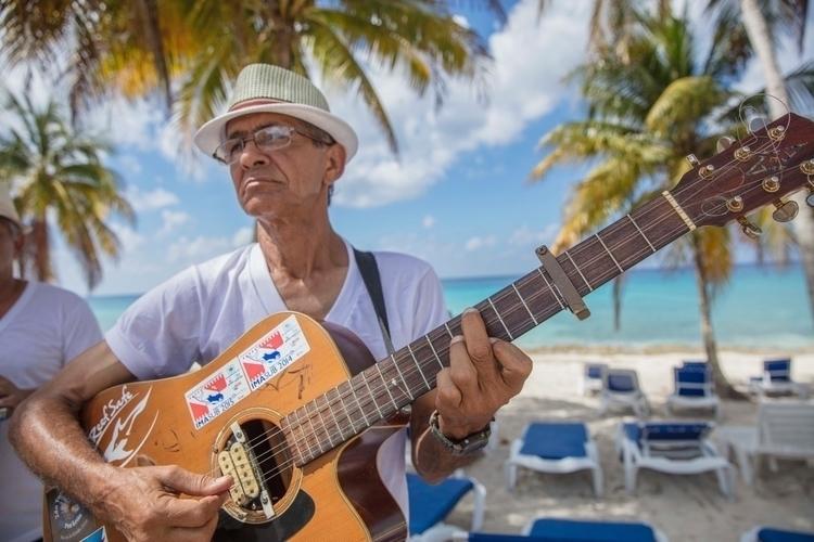 Concert beach Cuba - jmurphyphoto   ello