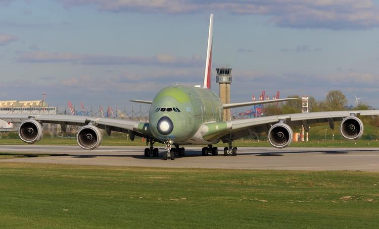 Airbus A380-842 - emirates - mathiasdueber | ello