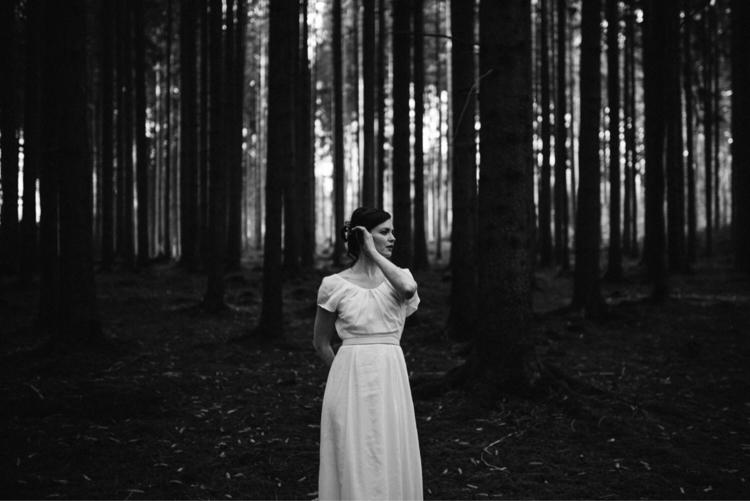Snow White lost wood  - joseelamarre | ello