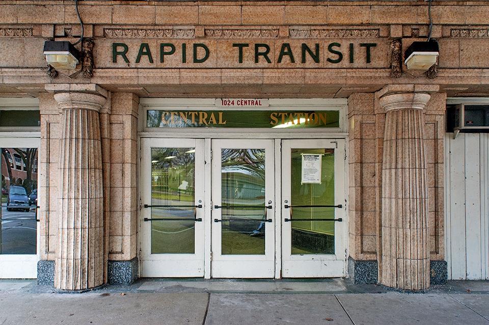 Chicago Transit Central Street  - photostatguy | ello