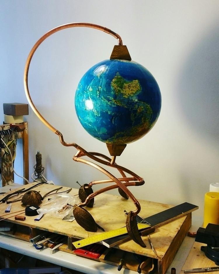 Globetrotter - light, sclupture - chipamarie | ello