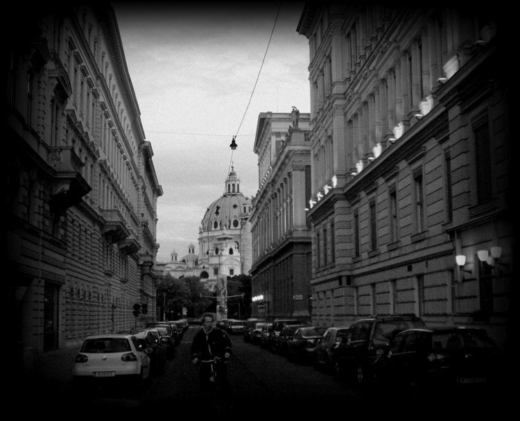 Blick zur Karlskirche - Wien 20 - fkopr | ello