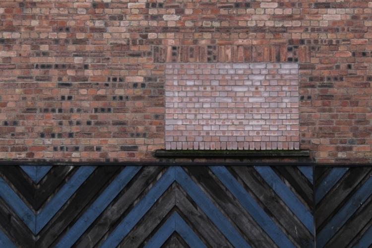 Alloa 2017 minimalist - lines, bricks - jadescott | ello