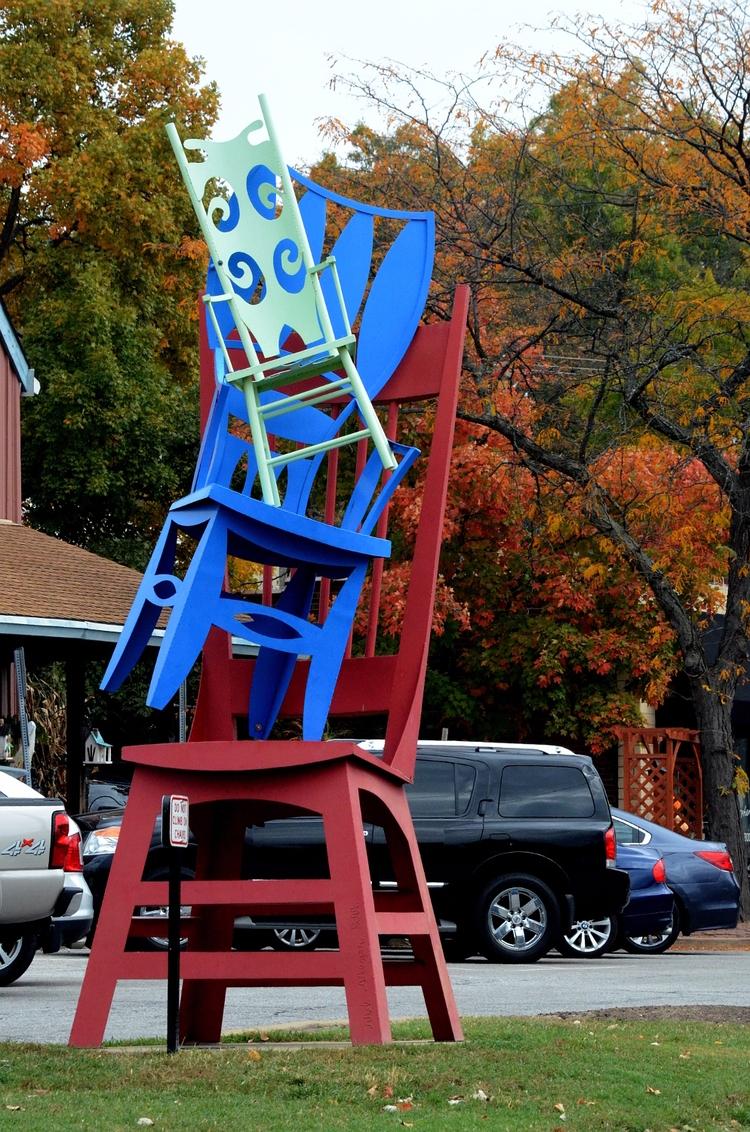 **1099**. chairs stack pile Kir - moosedixon   ello