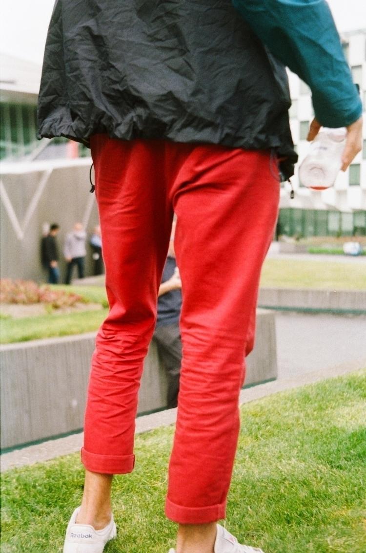 Le rouge Dublin, pleats falling - kiwiss | ello