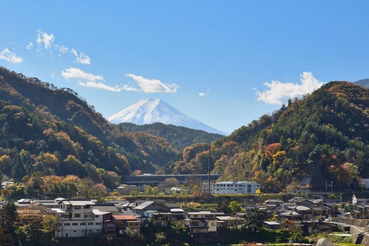 View Chuo Highway rest area - Japan - cbi | ello