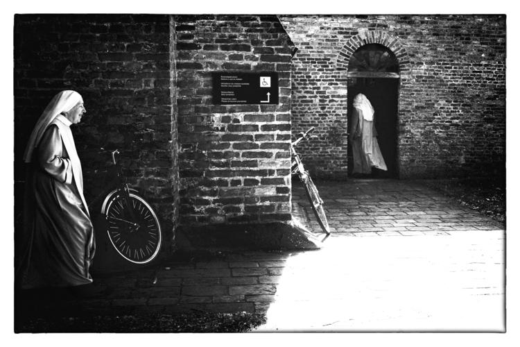 Brugge - Begijnhof (Beguinage)  - bartdesmet | ello