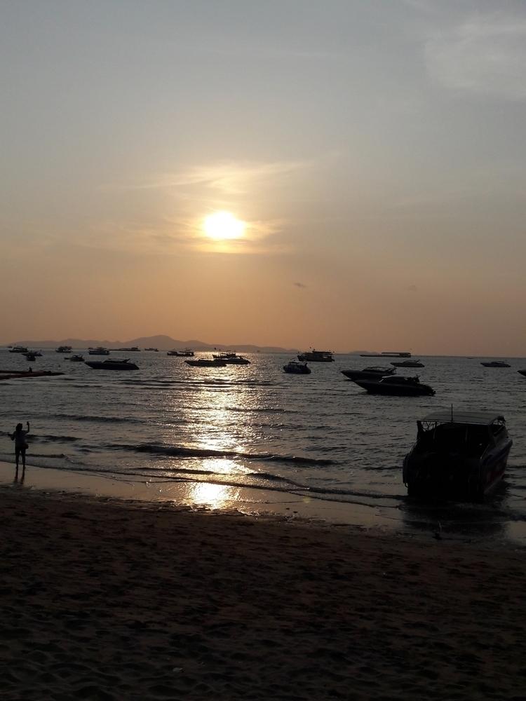 ShotoniPhone, Thailand, Beach - rikoyogapratama | ello