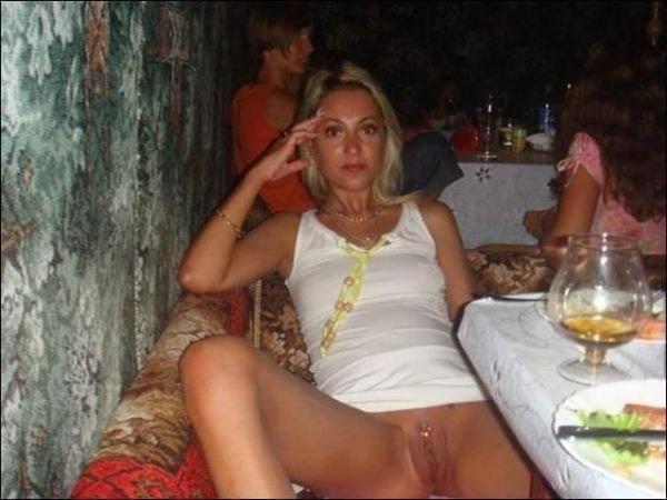 chat - Woman, persuitofportraits - evelynblomfieldlesbian | ello