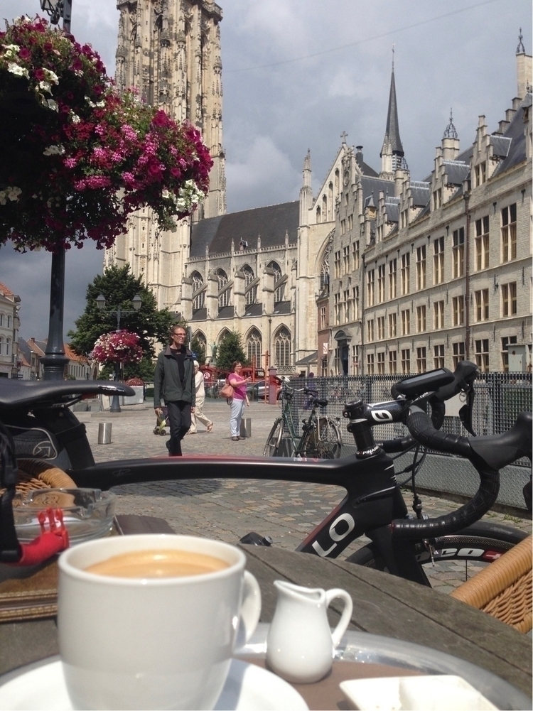 coffee break - bikelove, cycling - hermanvandoorslaer | ello