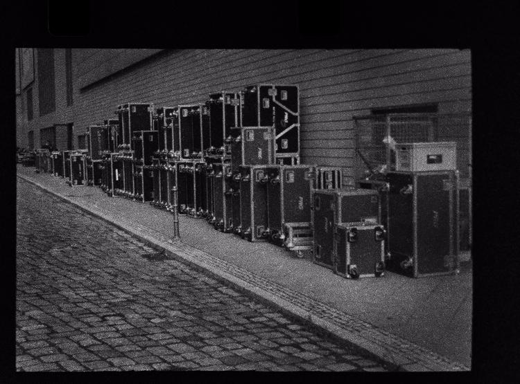 Flightcases - analog, shotonfilm - stikka   ello