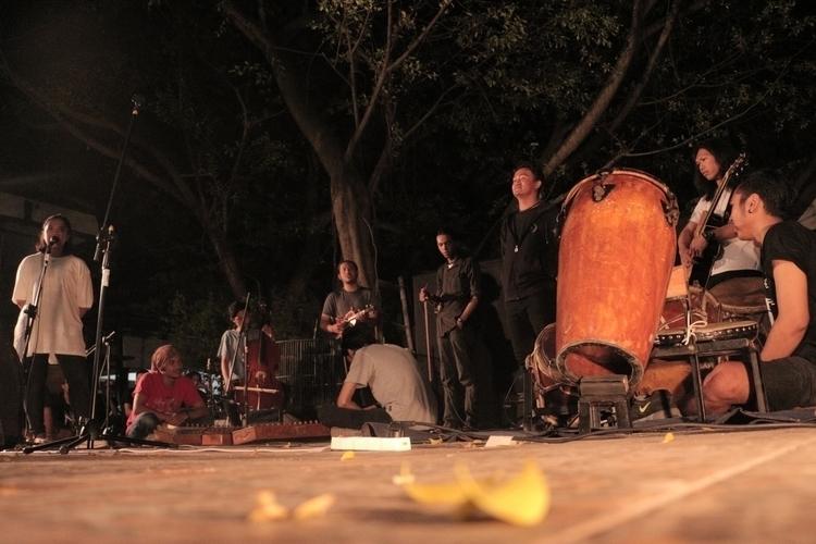 MALIRE stage. Ethnic Contempora - wahyuwinata | ello
