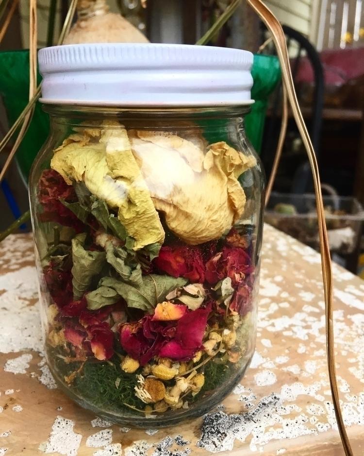 White Rose Apothecary Jar • sme - savageapothecary | ello