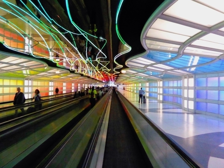 Airport | Chicago 2017 Photo-Bl - thomgollas | ello