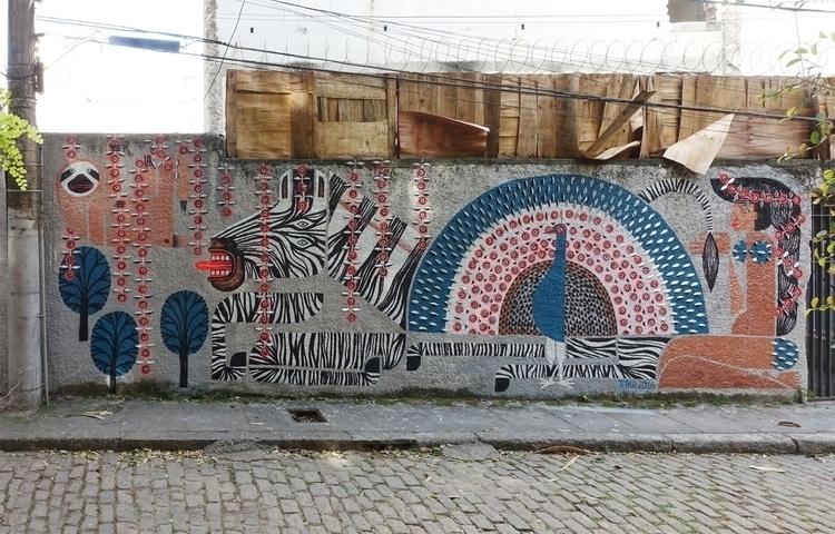 BICHO-PREGUIÇA | ZEBRA PAVÃO MO - maja_hurst | ello