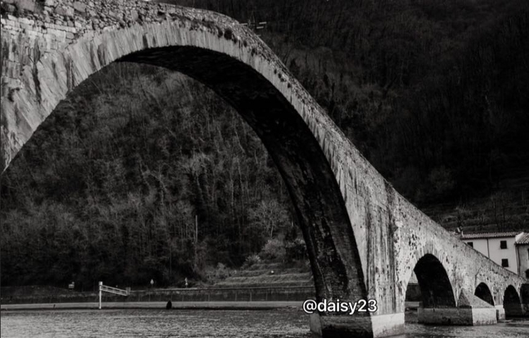 Bridge. Italy, Tuscany, places  - daisy23 | ello