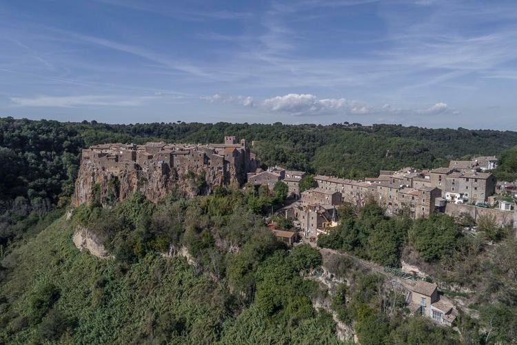 Italy - Calcata (VT) world unde - gogofly | ello