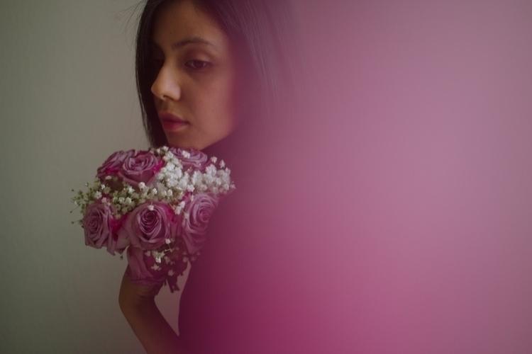 selfportrait, bouquet, gradient - leilanigomez | ello