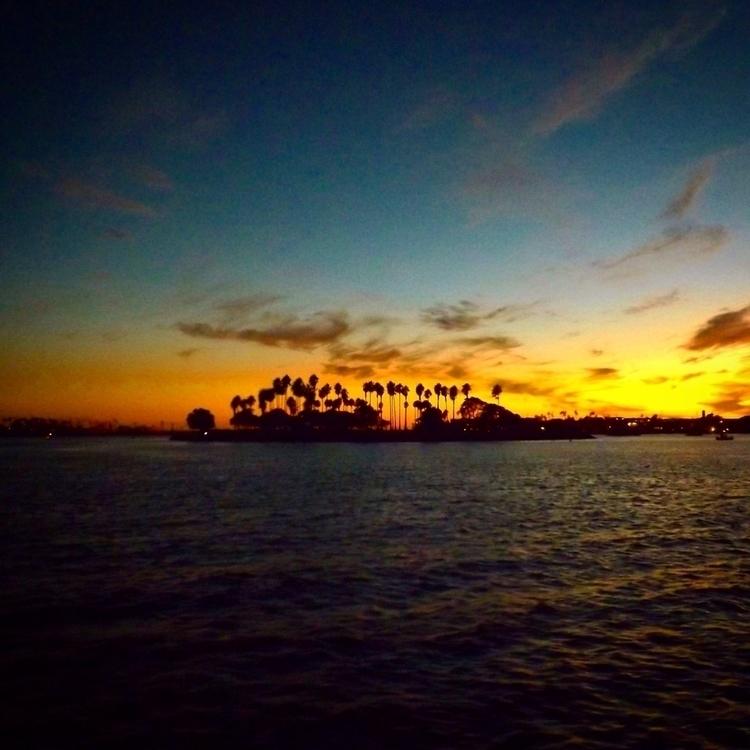 island hopes dreams sea turbule - alexgzarate | ello