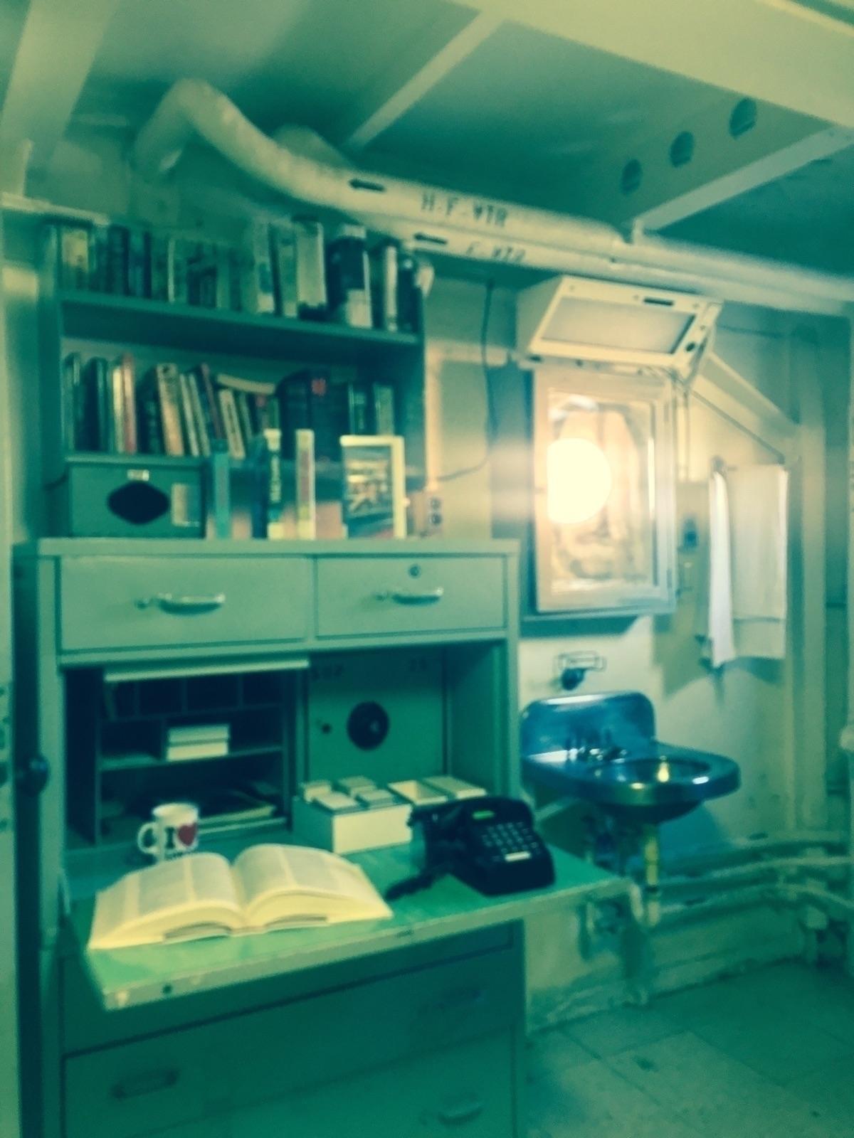 luxurious sleeping quarters abo - nikkifontaine   ello