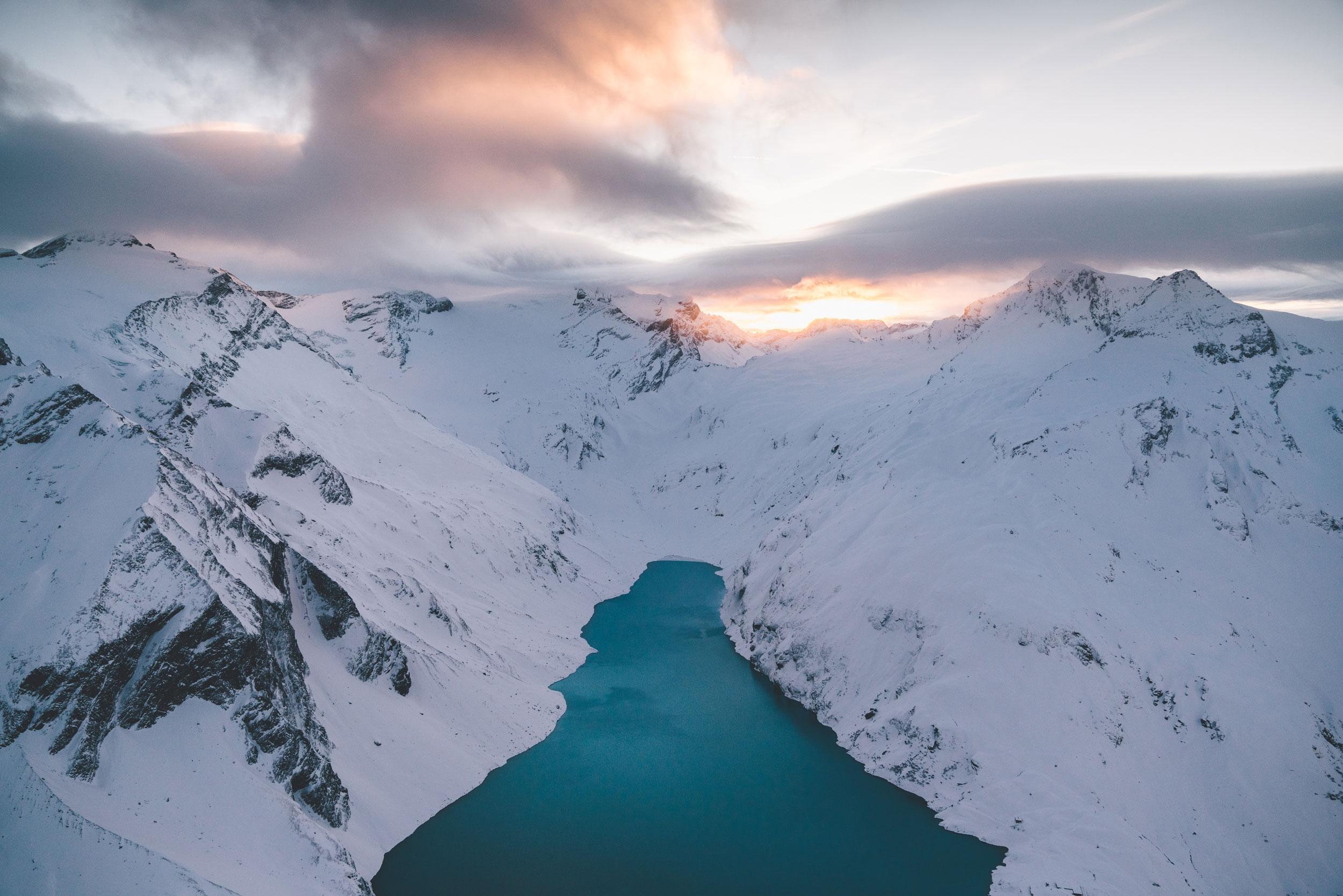 lake mountains. Austria, 2017 - rawmeyn   ello