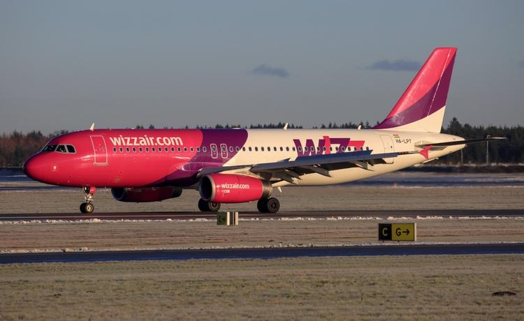 vwmatze#wizzair - billundairport - mathiasdueber | ello