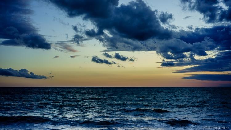 Tyrrhenian Sea - photography, nature - markuskoellmann | ello