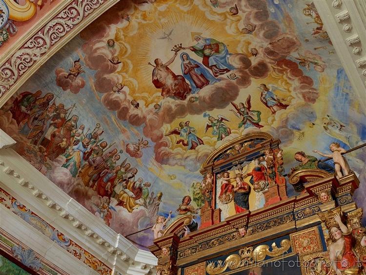 frescoed ceiling apse Sanctuary - milanofotografo   ello