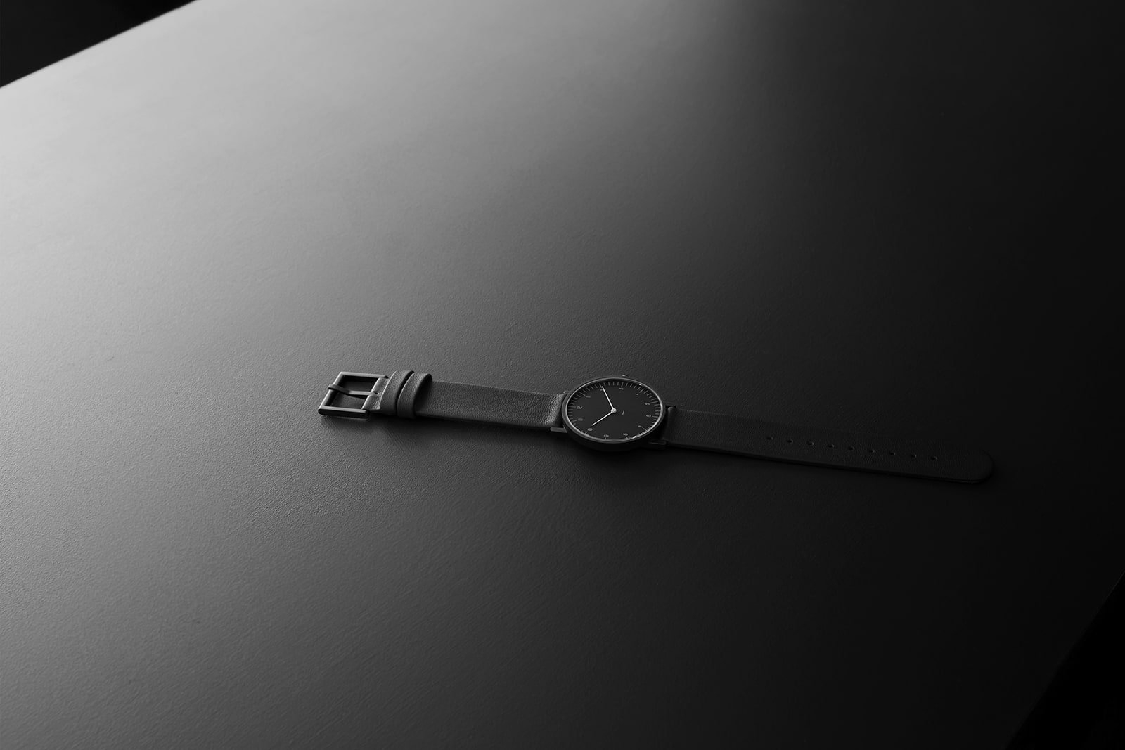 Stock Watches' minimalist S005  - minimalissimo | ello