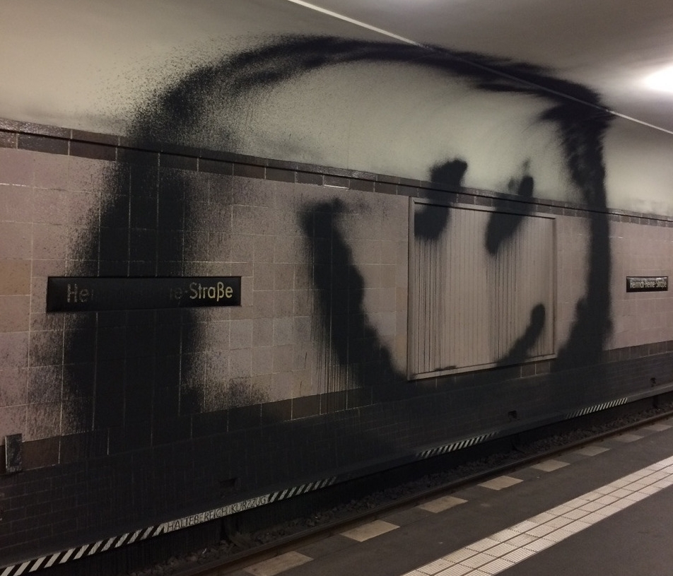 source 1up Berlin - photography - modernism_is_crap   ello