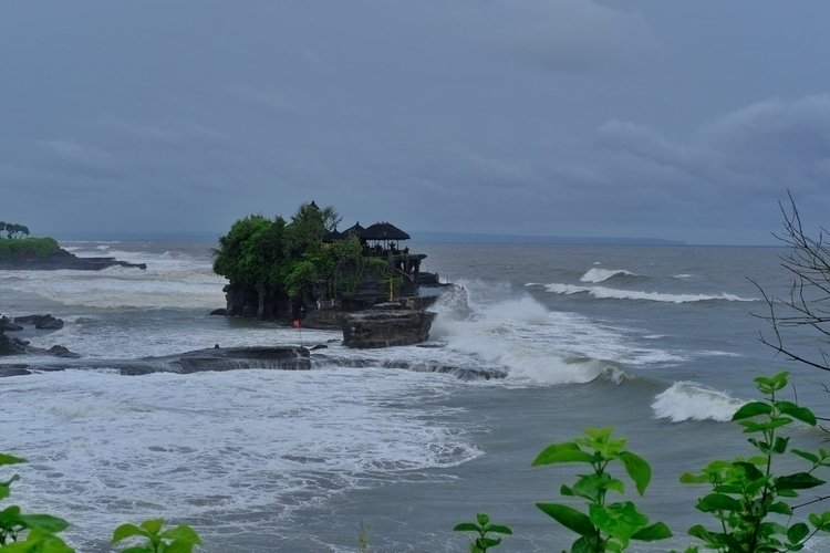 Tanah Lat, Bali - weltfarben | ello