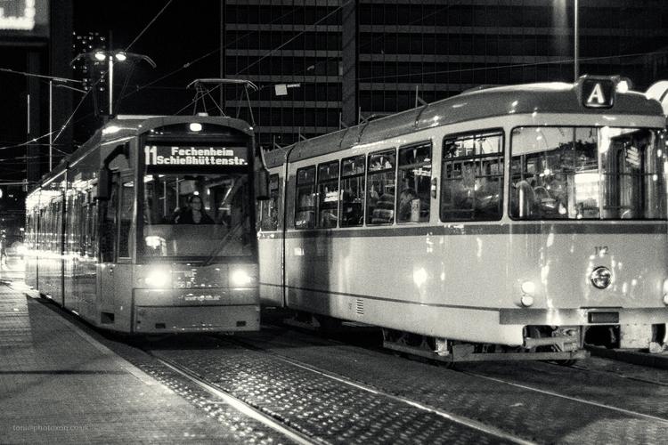 Frankfurt Maine - sony, city, tram - toni_ertl | ello