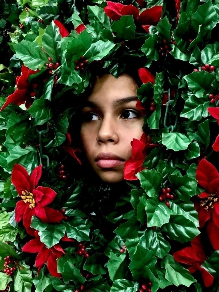    Hide Seek - model, flowers, green - sunivana   ello