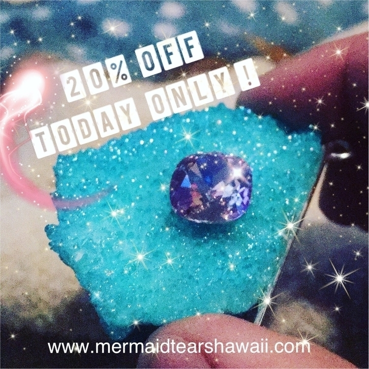Today - dayafterchristmas, auraquartz - mermaidtearshawaii | ello