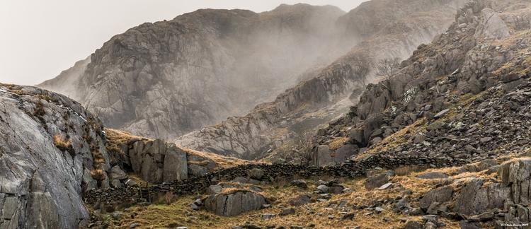 Walking Snowdonia - tecnonaut | ello