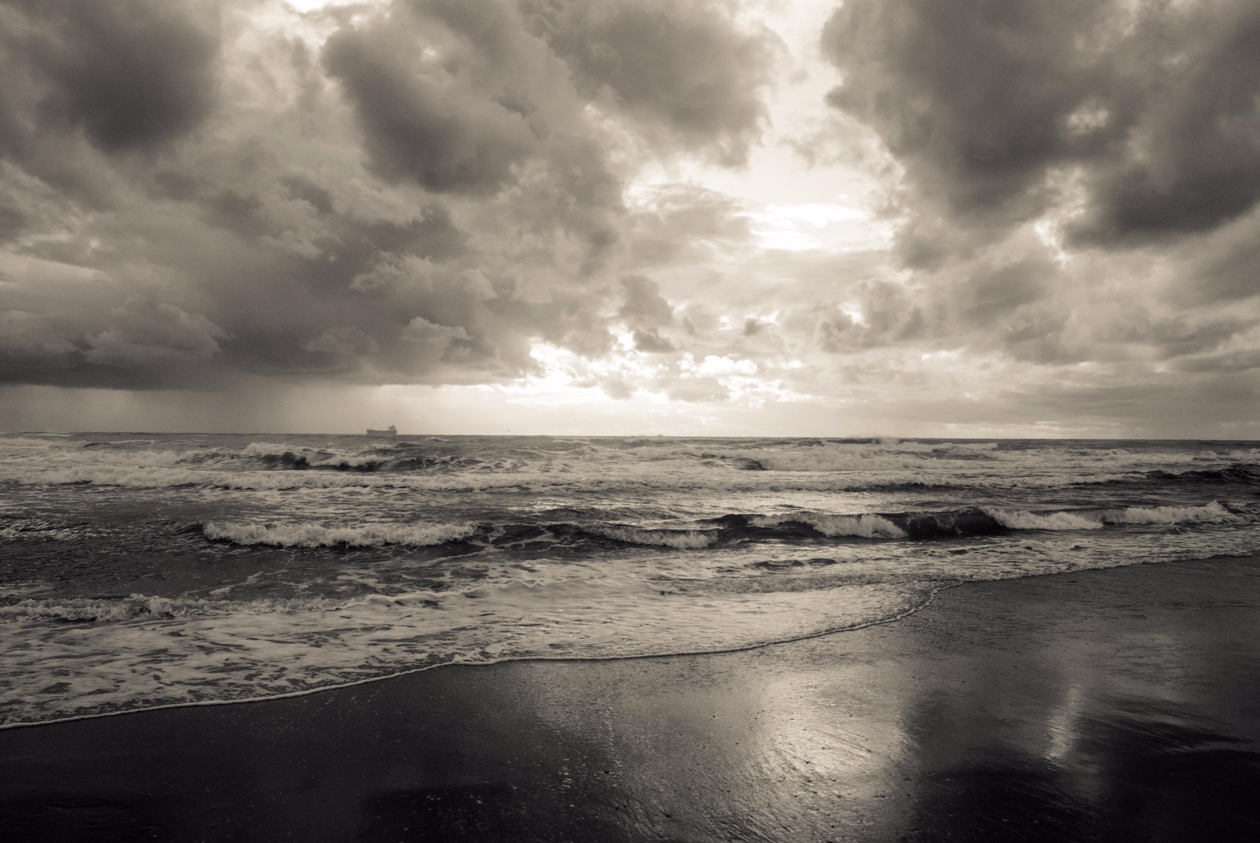 sea, beach, coast, ship, clouds - ydoron1   ello
