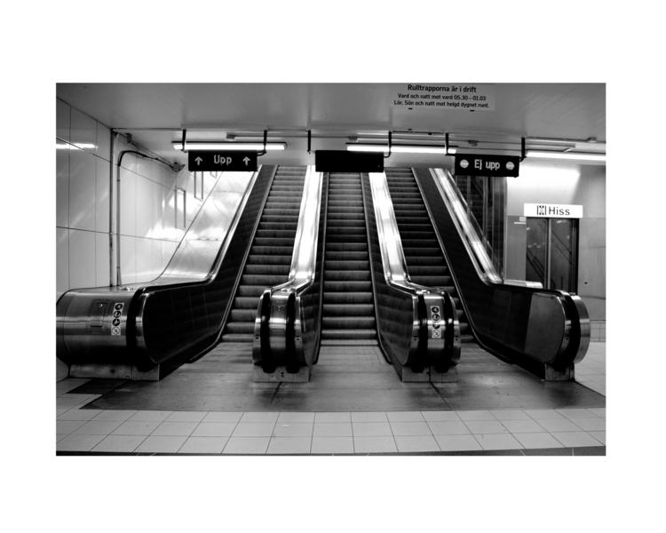 Upp/Ej upp. Escalator Stockholm - glauke_w_ | ello